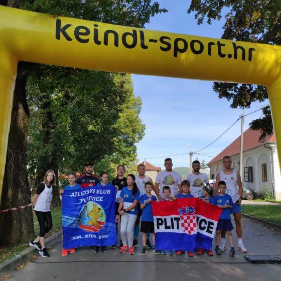 Nastupi na Splitskom maratonu i 6. Gacka run utrci u Otočcu